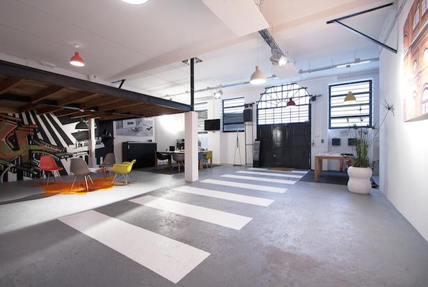 eclairage garage. Black Bedroom Furniture Sets. Home Design Ideas