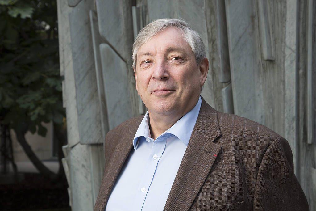 Michel Mouillart, Professeur d'Economie à l'Université de Paris Ouest et spécialiste de l'économie immobilière. aussi à l'initiative de l'observatoire CLAMEUR   - Les droits d'utilisation publicitaire ou d'éditions sont protégés, contacter l'auteur - www.lebedinsky.com  - Tel : +33607660257