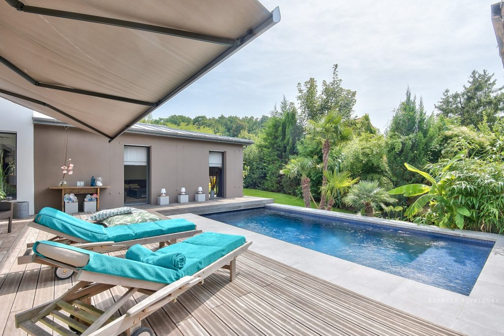 Villa contemporaine avec piscine